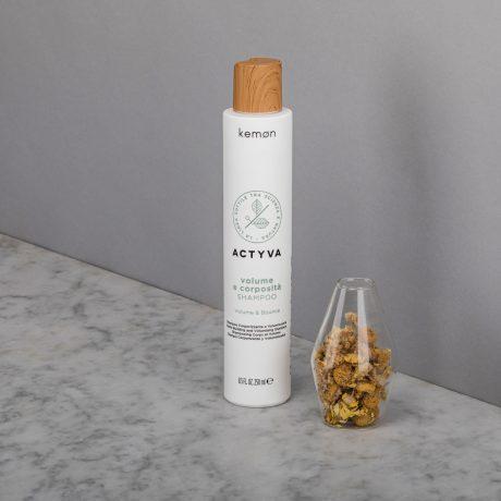 Actyva volume e corposità shampoo 250 ml bolli ambientata